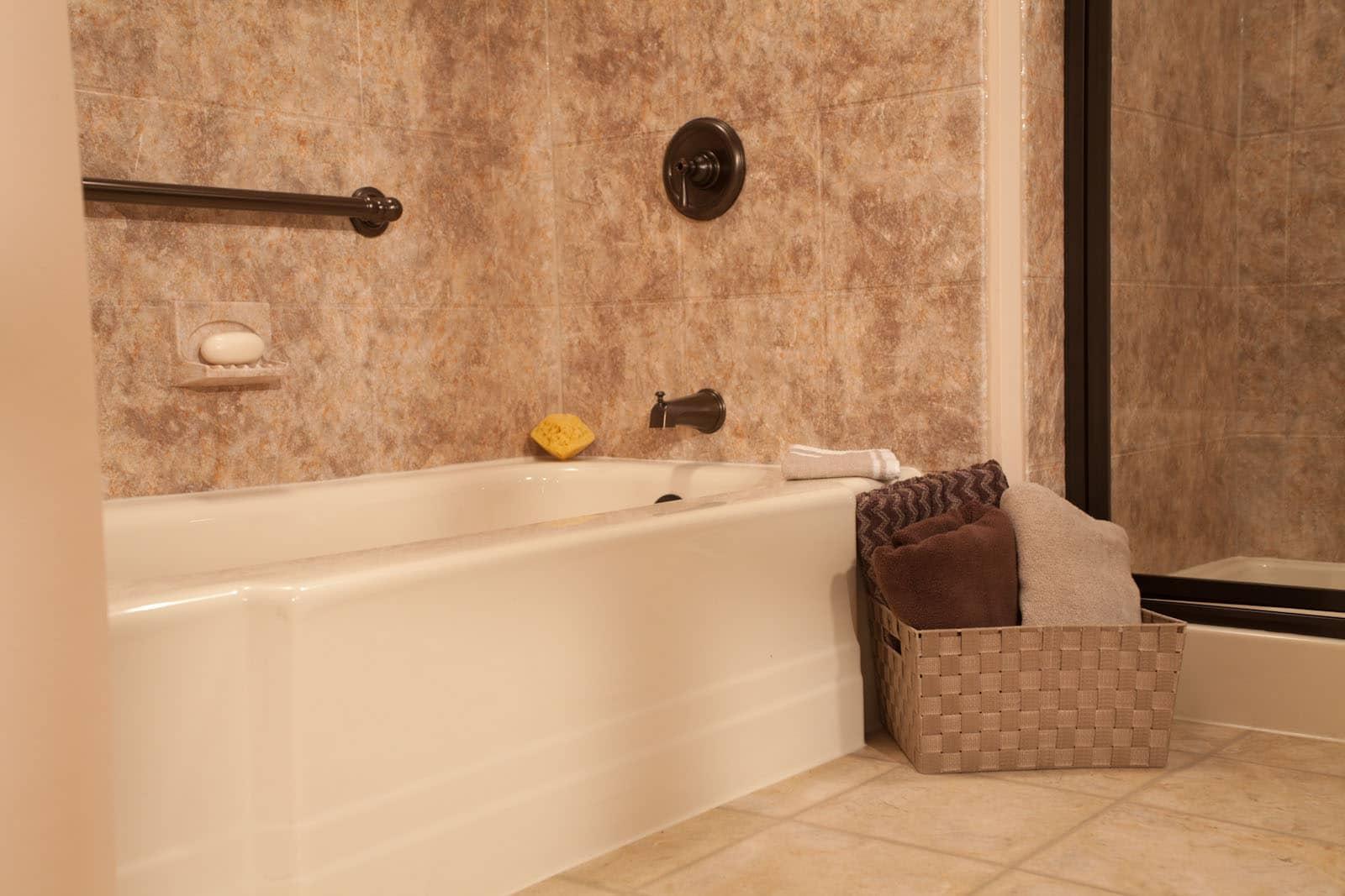 South Florida Bath Replacement - Bathrooms Plus Inc (15)